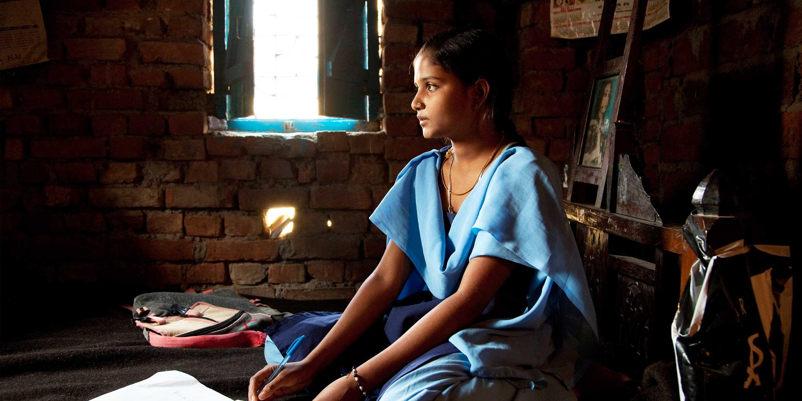 https://s12982.pcdn.co/wp-content/uploads/2014/02/educate-girls-sl1.jpg